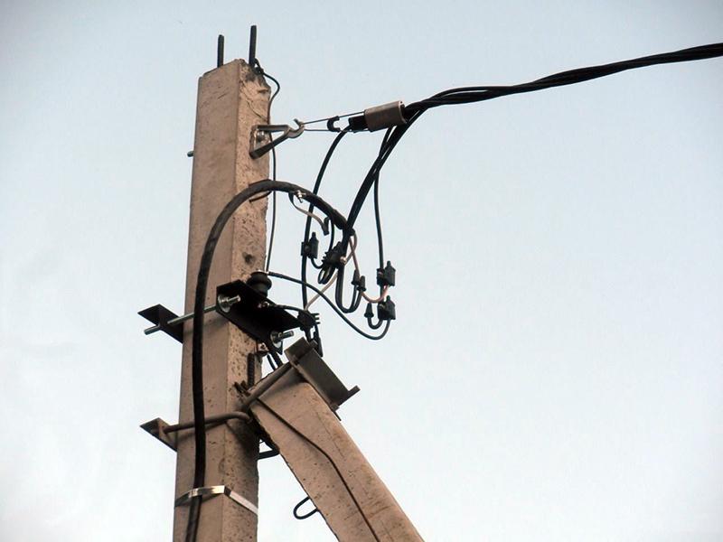 крепление СИП кабеля к опоре